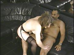 Siyah dick sıkıştırma seksi sürtük