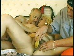 Fransız youger adamla olgunlaşır
